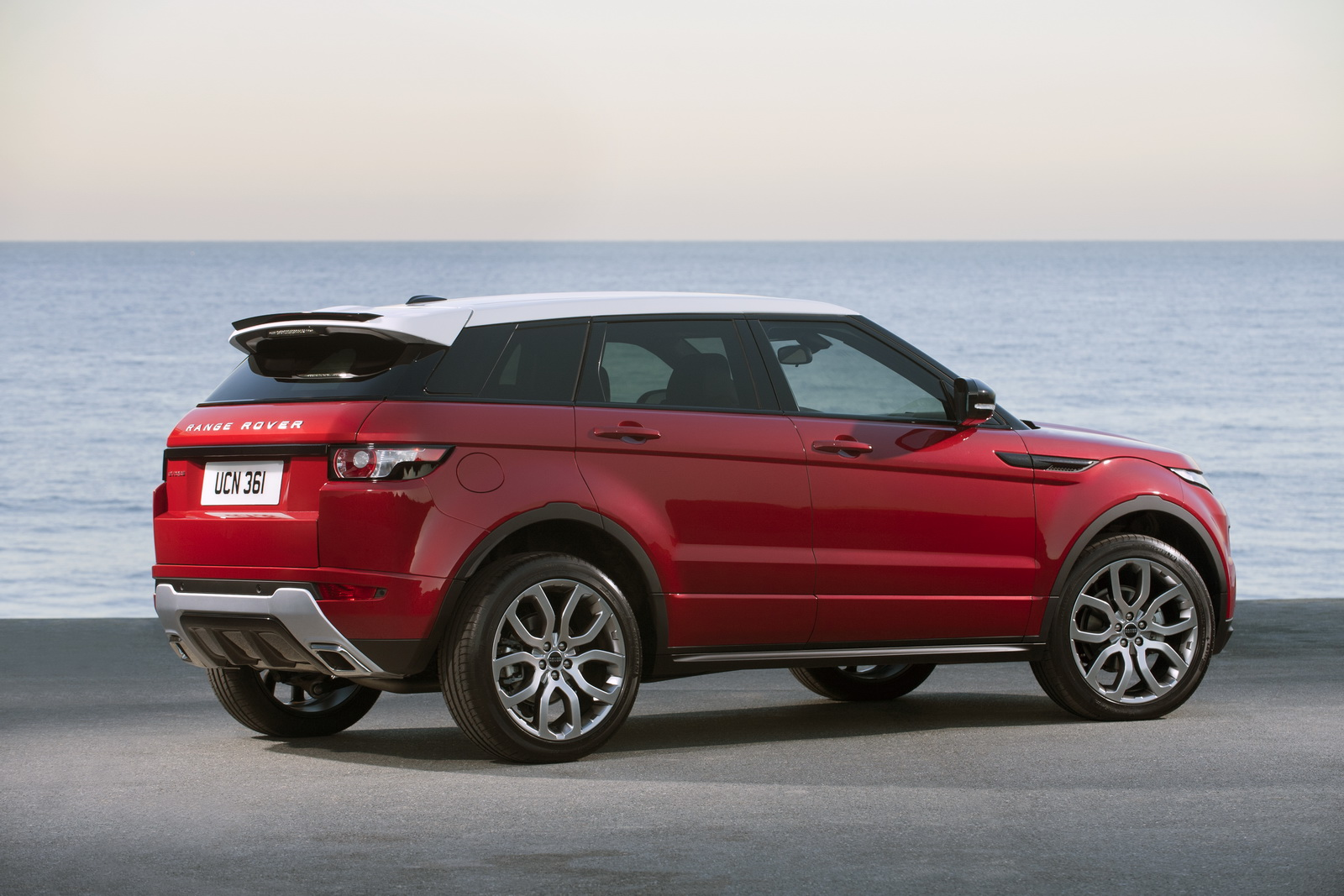 rumors range rover mulling grand evoque today 39 s auto. Black Bedroom Furniture Sets. Home Design Ideas