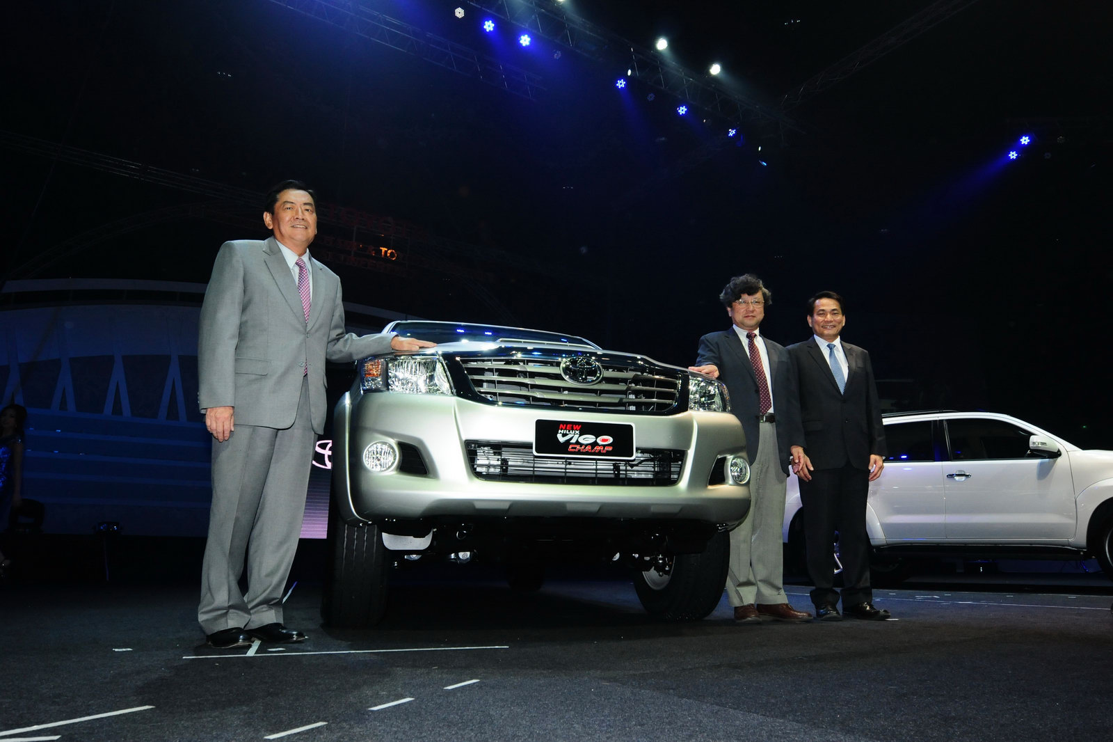2012 toyota fortuner suv version of facelifted hilux makes asian 2017 2018 best cars reviews